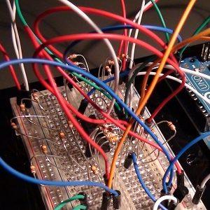 Káble, konektory, piny, svorky a zmršťovačky